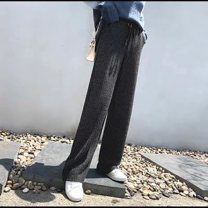 Women knitted pants